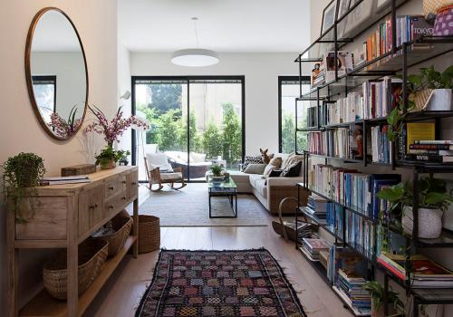 דירת גן יוקרתית בבניין אקלקטי
